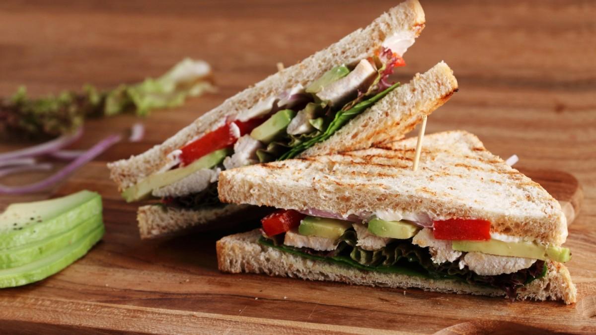 """Comida Rápida con un sándwich """"Al UsoNostro"""""""