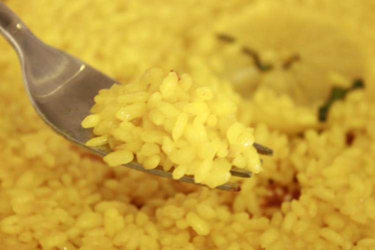 curcuma-en-arroz
