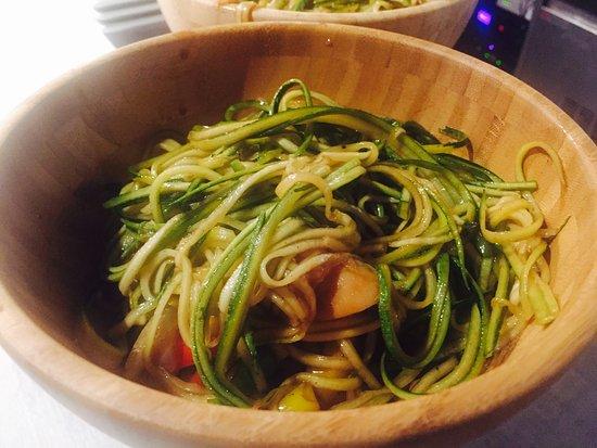 """""""Fideos"""" de zucchini alwok"""